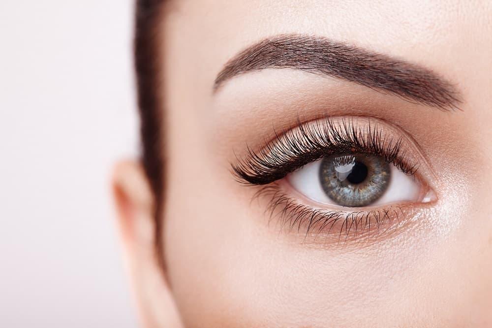 jak optycznie powiększyć oko