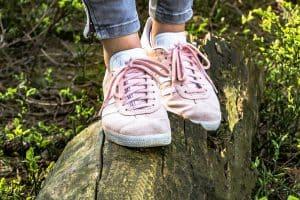 sportowe-buty-ktore-beda-pasowac-do-kazdej-letniej-stylizacji