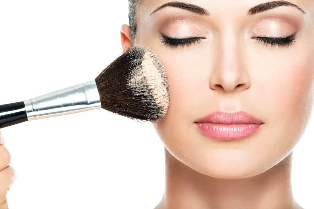 Tak się robi trwały makijaż